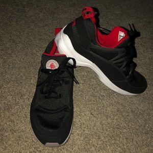 Nike Shoes - Air Huaraches